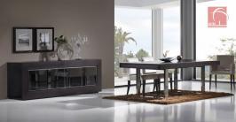Sala de jantar, moderna em wenge. Mesa de jantar com pés em inox