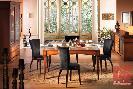 Sala de jantar estilo colonial classico fabricada em madeira