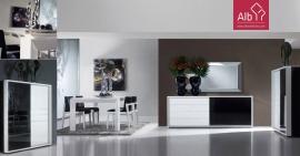 Sala de Jantar Moderna com pormenores lacados em preto com mesa extensivel