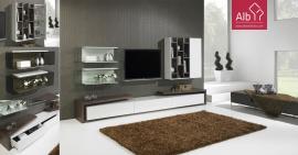 móvel de tv em madeira de carvalho natural e lacado e prateleiras em vidro