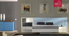 cama moderna estofada com estante