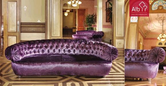 sofá clássico com capitoné